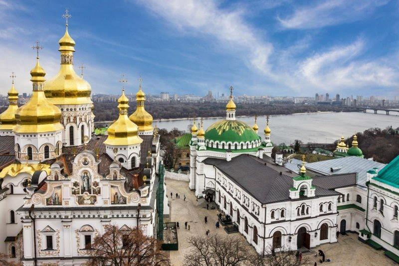 20 апреля церковь чтит память мучеников Руфина и Акилины / фото ua.depositphotos.com